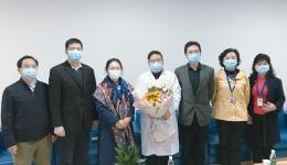 西南交通大学朱健梅副校长一行来院慰问抗疫专家李国平教授